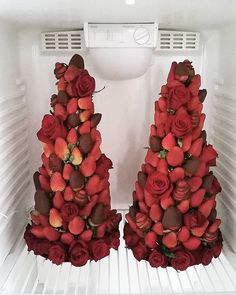 The most delicious view I've ever seen in my fridge! Strawberry, chocolate and roses wedding cake tower! By Stiletto Cakes, Wellington, New Zealand. Wedding Desserts, Wedding Cakes, Fruit Buffet, Strawberry Tower, Strawberry Decorations, Chocolate Dipped Strawberries, Edible Arrangements, Food Art, Food Food