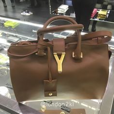 Medium Cabas Brown RM4,800 ❤❤❤ it? Order now. Once it's gone, it's gone! Just WhatsApp me +44 7535 715 239, Erwan.  Click my account name for other great items. #l2klYSL #l2klYSL #l2klYSL