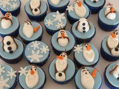 Cupcakes Frozen - Drucka Machado Bolos - www.facebook.com/druckamachadobolos