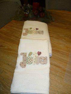 Tovalloles amb nom personalitzat amb aplicació