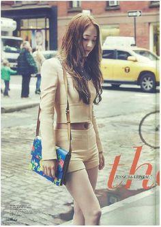 Krystal photobook. ¿Maknae? ¿Donde?