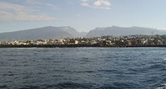 St Pierre et Cilaos en arrière-plan Outre Mer, St Pierre, Blog Voyage, Holiday Travel, River, Outdoor, Holidays, Reunions, Beautiful Mosques