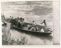 Press Photo 143 新闻老照片-中美军人同舟共济,并肩抗日 1944
