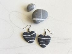 Gray heart earrings Sea stone earrings Pebble sea by Sognoametista