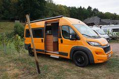 Mercedes Sprinter Camper, Van Conversion Shower, Cool Campers, Vans, Van Life, Campervan Ideas, Trailers, Vehicles, Travel