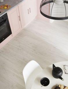 Lame PVC Senso adjust, coloris Sunnywhite, fixation autoplombante, épaisseur 4 mm, 29,95 euros le mètre carré, Gerflor.