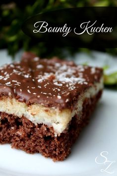 Recipe for bounty cake - No Bake Desserts Chocolate Sweets Cake, Cupcake Cakes, Bounty Cake, Sweet Recipes, Cake Recipes, Sweet Bakery, Roasted Almonds, No Bake Desserts, No Bake Cake