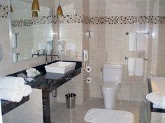 The Cincinnatian Hotel:  Room 628 Bathroom