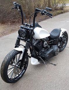 New bobber motorcycle harley davidson street bob ideas Motos Bobber, Motos Honda, Bobber Bikes, Bobber Motorcycle, Motorcycle Style, Motorcycle Quotes, Harley Davidson Custom, Harley Davidson Chopper, Harley Davidson Street