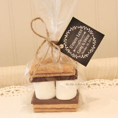 S'mores Favor Kits, 24 SMORE LOVE S'mores Wedding Favor Kits, Choose Any  TAG Design, Rustic Weddings, Personalized Tags, Bridesmaid Gift by DoMeAFavorBox on Etsy https://www.etsy.com/listing/244030796/smores-favor-kits-24-smore-love-smores