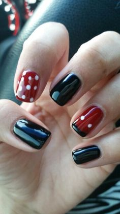 Mickey - Minnie Nails - Trendy Birthday Nails Art Designs Mickey Mouse Ideas You are in the right pl Mickey Mouse Nail Art, Minnie Mouse Nails, Disney Nail Designs, Nail Art Designs, Nails Design, Disneyland Nails, Disney Toe Nails, Easy Disney Nails, Disney Toes