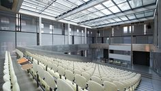 Jansen - Technische Hochschule, Hörsaal und Labor