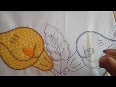 Mantel de Alcatraz 2° parte | Bordando un mantel - YouTube Clean House, Hand Sewing, Hand Embroidery, Knit Crochet, Sewing Projects, Make It Yourself, Stitch, Knitting, Flowers