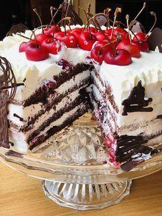 Tort Pădurea Neagră cu jeleu de cireșe, frișcă și ciocolată – Chef Nicolaie Tomescu Food Cakes, Something Sweet, Nutella, Tiramisu, Cake Recipes, Ice Cream, Cupcakes, Sweets, Ethnic Recipes