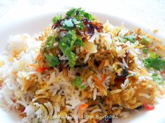 Hyderabadi Chicken Biryani:  Open the gates of heaven by making this divine Hyderabadi Chicken Biryani...Do make them it is yum :...[read more at Food Frenzy]