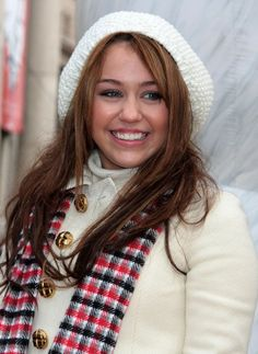 miley cyrus 2008   Miley Cyrus Miley Cyrus at the Macy's Thanksgivng Day Parade in New ...