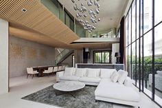 Дом с бассейном на крыше в Хошимине