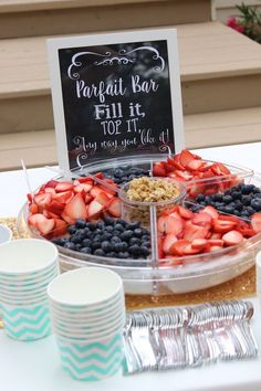 New Baby Shower Food For Girl Brunch Yogurt Parfait Ideas Baby Shower Brunch, Shower Party, Baby Shower Foods, Bridal Shower Snacks, Baby Shower Fruit, Wedding Shower Foods, Wedding Showers, Baby Shower Buffet, Baby Shower Appetizers