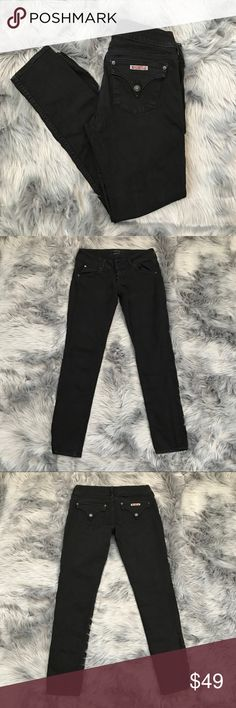 Hudson Black Skinny Jean Hudson Black Skinny Jean Size: 28 Length: 39in Inseam: 30in Condition: Excellent Pre-Owned All black skinny jeans by Hudson. Made in the USA. Back pockets are Buttoned. Fabric has stretch to it.  Inv: AA **All items from my closet come from a SMOKE FREE home** 💕 Hudson Jeans Jeans Skinny