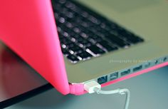 neon pink laptop skin-/-- need this for my laptop!!!