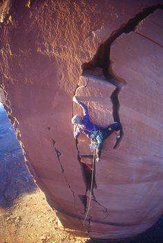 Sacred Space (5.11) Indian Creek #climbing