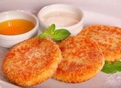 Carrot-apple cheese pancakes with vanilla sauce * Energy value per - b - g - y - For cheesecakes. Apple Recipes, Baby Food Recipes, Dessert Recipes, Cooking Recipes, Dessert Healthy, Kindergarten Snacks, Russian Desserts, Cheese Pancakes, Vanilla Sauce