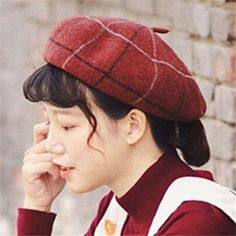 048790b1a1a92 Get Short Hair Without A Haircut   French Beret