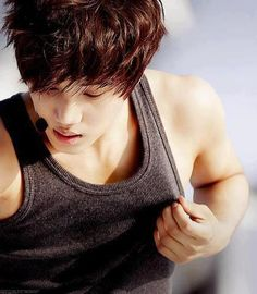 Find images and videos about sexy, kpop and exo on We Heart It - the app to get lost in what you love. Exo Kai, Chanyeol, Perfectly Timed Photos, Bronze Skin, Exo Korean, Korean Guys, Kim Minseok, Shinee Taemin, Kim Jae Joong