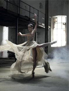 Lucia Lacarra dancing in a dress by Jesús del Pozo, September 2009. Photo: Juan Gatti