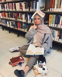 IG: oulfa Muslim Fashion, Modest Fashion, Hijab Fashion, Casual Hijab Outfit, Hijab Chic, Beautiful Muslim Women, Beautiful Hijab, Bff, Hijabi Girl