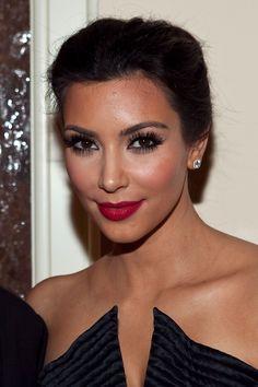 red lips makeup  kim kardashian