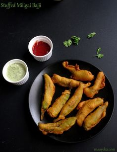 how to make crisp delicious stuffed mirchi pakoda,milagai bajji