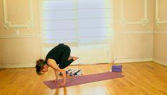 Postura Bakasana | Ciudad Yoga · Clases y Videos de Yoga