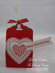Scallop Tag Topper Punch Treat Holder