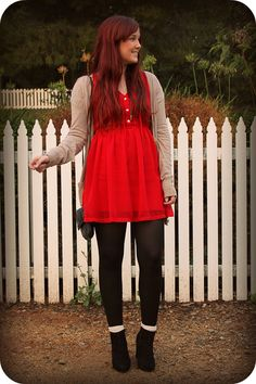 this is such a wearable and cute college outfit!