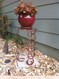 Horse Shoe plant stand