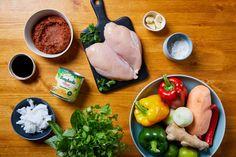Wok, Fresh Rolls, Chili, Curry, Ethnic Recipes, Cilantro, Curries, Chile, Chilis