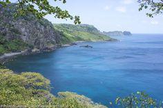 Baía dos Golfinhos, em Fernando de Noronha. Saiba mais sobre o destino >>> http://www.guiaviagensbrasil.com/pe/fernando-de-noronha/