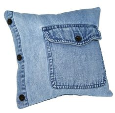 50 Cushion Covers Off Jeans - DIY Pillow Cases From Reusable Materials Diy Jeans, Jean Crafts, Denim Crafts, Sewing Pillows, Diy Pillows, Shirt Pillows, Throw Pillows, Memory Pillows, Denim Ideas