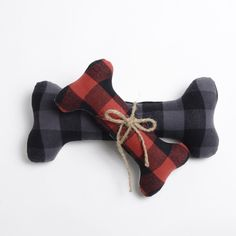 Keep your pup happy and occupied during holiday travels with the Buffalo Plaid Dog Toy! Perfect for throwing around or cuddling up next to!