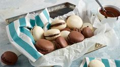 Makarónky Lidl, Pavlova, Dessert Recipes, Desserts, Macarons, Ale, Nom Nom, Stuffed Mushrooms, Easter