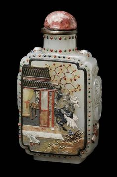 Jade snuff bottle with applied semi-precious stones in the form of a pomegranate tree - China, Qing dynasty, 1644–1911