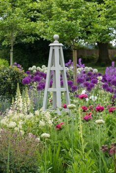 Ordnance House in June Cottage Garden Design, Cottage Garden Plants, French Cottage Garden, Back Gardens, Outdoor Gardens, Garden Arches, English Country Gardens, Garden Trellis, Garden Structures