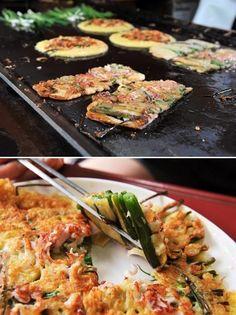 Pajeon 파전 (Korean scallion pancake)