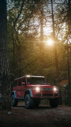 Think of all the beauty still left around you - Mercedes Mercedes Suv, Mercedes G Wagon, Mercedes Benz Convertible, Mercedes Benz C63 Amg, Mercedes Benz G Class, G63 Amg, Mercedes Benz Wallpaper, Dream Cars, Offroad