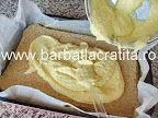 Prăjitură cu mac (Prăjitură Tosca) | Rețete BărbatLaCratiță Biscuit, Icing, Peanut Butter, Mac, Food And Drink, Desserts, Recipes, Room, Tailgate Desserts