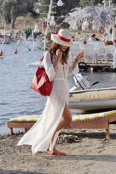 Perfect beach style. Koton beach dress, Shakespeare in Love bikini, Joie bag, Gucci hat. Very nice.