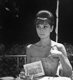 Audrey Hepburn photographed at the David di Donatello Awards ceremony in Taormina, July Audrey Hepburn Born, Audrey Hepburn Photos, George Peppard, 10 Film, Classic Hollywood, Old Hollywood, Viejo Hollywood, Greta, Marlene Dietrich