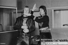 News Photo : Drummer Geoff Britton and singer/bassist Paul...