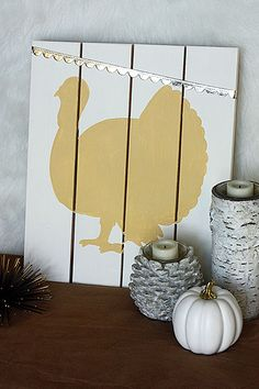 Holiday Craftacular Link Up: Neutral Turkey Pallet Sign {a Silhouette Cameo Project} – Herzlich willkommen Thanksgiving Table Runner, Thanksgiving Projects, Thanksgiving Decorations, Thanksgiving Signs, Thanksgiving Blessings, Thanksgiving Celebration, Barn Wood Crafts, Pallet Crafts, Pallet Art